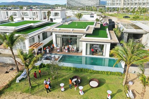 Một trong số căn biệt thự mẫu Mövenpick Resort Luxe Villa Phú Quốc.