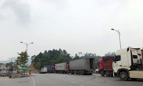 Khu vực cửa khẩu Hữu Nghị chiều 26/8 không còn tình trạng ùn tắc hàng hóa. Ảnh: HQLS