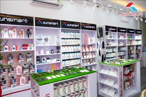 Hàng trăm mặt hàng phụ kiện công nghệ cao cấp, chính hãng tại showroom.