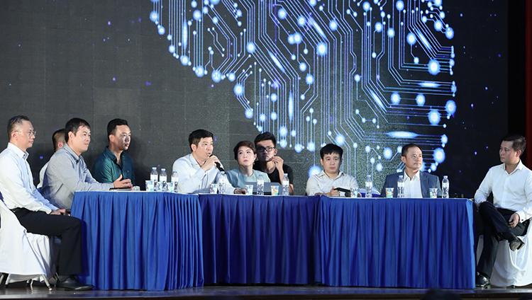 Các diễn giả tham dự sự kiện.