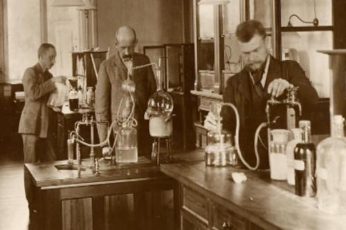 Phòng thí nghiệm Carlsberg quy tụ những nhà khoa học lỗi lạc tham gia nghiên cứu.