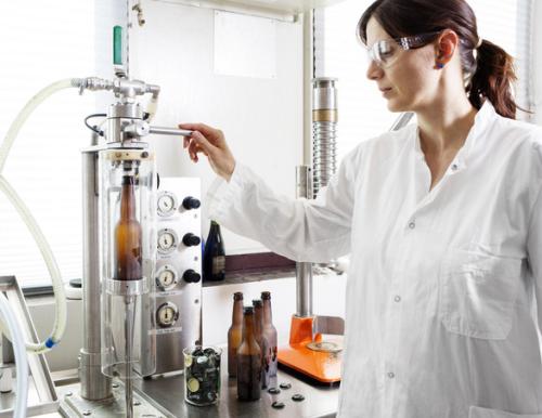 Hiện Carlsberg vẫn xem nghiên cứu khoa học là trọng tâm để phát triển những công nghệ sản xuất bia hiện đại.