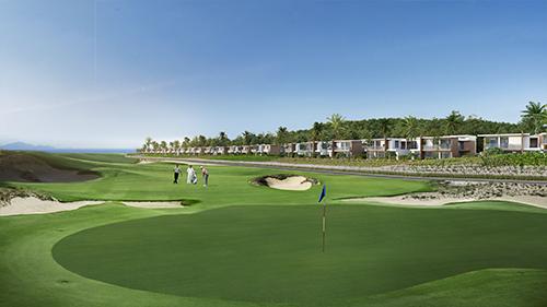 Wyndham Grand KN Paradise Cam Ranh liền kề KN Golf Links.