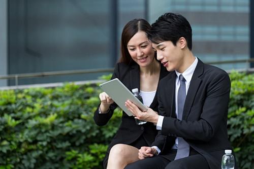 Với trang thông tin điện tử mới này, đại diện kinh doanh của Chubb Life Việt Nam có thể hỗ trợ khách hàng lập hồ sơ yêu cầu bảo hiểm ở bất cứ đâu và vào bất cứ thời điểm nào.