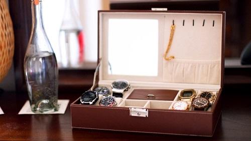 Bộ sưu tập đồng hồ của Saria. Ảnh: CNBC Make it.