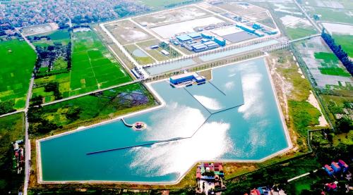 Đơn vị chủ đầu tư cho biết, mức đầu tư giai đoạn mộtlà gần 5000 tỷ đồng với 2 phân kỳ.Kỳ mộtkhánh thành tháng 10./2018với công suất 150.000m3 một ngày đêm. Phân kỳ 2 có công suất 300.000m3 mỗi ngày đêm, đảm bảo đủ cung cấp nguồn nước sạch cho khoảng 3 triệu người – chiếm 1/3 dân số Hà Nội vàđịa phương phụ cận như Bắc Ninh, Hưng Yên.