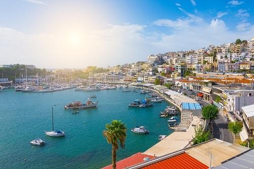 Một thành phố biển tại Hy Lạp.