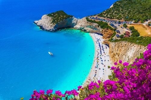 Biệt thự biển tại vùng Địa Trung Hải.