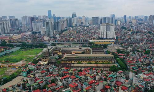 Khu vực Thượng Đình - nơi có rất nhiều nhà máy nằm trong kế hoạch di dời suốt nhiều năm nay nhưng vẫn dậm chân tại chỗ. Ảnh: Ngọc Thành