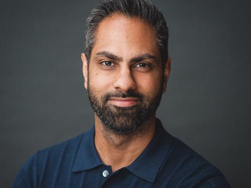 Chuyên gia tài chính Ramit Sethi.
