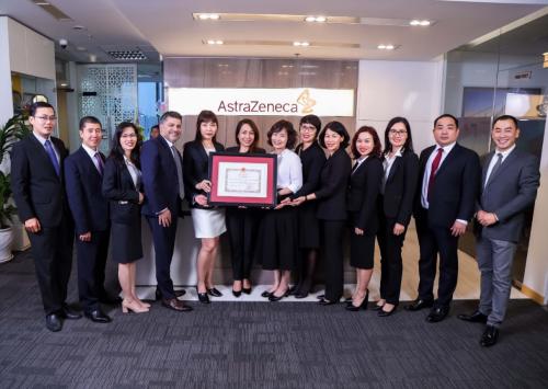 AstraZeneca Việt Nam nhận bằng khen của Bộ Y tế - 1