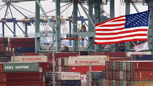 Các container của Trung Quốc tại một cảng biển ở California (Mỹ). Ảnh: AFP