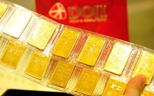 Giá vàng miếng trong nước gần đâyxuống dưới 42 triệu đồng một lượng. Ảnh: C.T