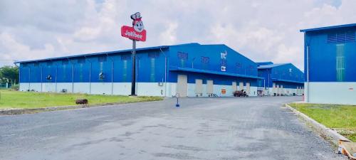 Nhà máy Jollibee tọa lạc tại khu công nghiệp Tân Kim mở rộng, Cần Giuộc, Long An với tổng diện tích lên đến 10.000 m2.