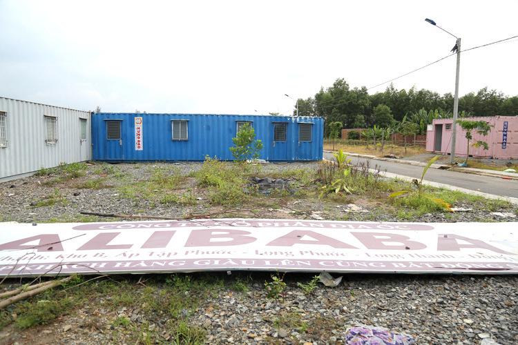 Một dự án của Alibabaở xã Long Phước, Long Thành bỏ hoang sau hai năm rao bán. Ảnh: Phước Tuấn.