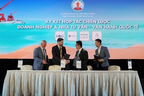 Đại diện Novaland và các đối tác quốc tế ký hợp tác chiến lược phát triển du lịch, thể thao biển tại tỉnh Bình Thuận. Ảnh: Việt Quốc.