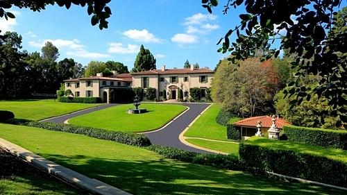 Một bất động sản của Woodbridge tại Holmby Hills. Ảnh: Mercer Vine