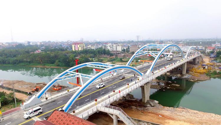 Cầu Bến Tượng, một trong nhữngcông trình biểu tượng cho thời kỳ đổi mới về cơ sở hạ tầng thành phố. Ảnh: Báo Thái Nguyên