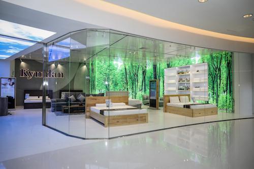 Showroom với sắc xanh chủ đạo, thiết kế hiện đại. Xem thêm hình ảnh showroom tại đây.