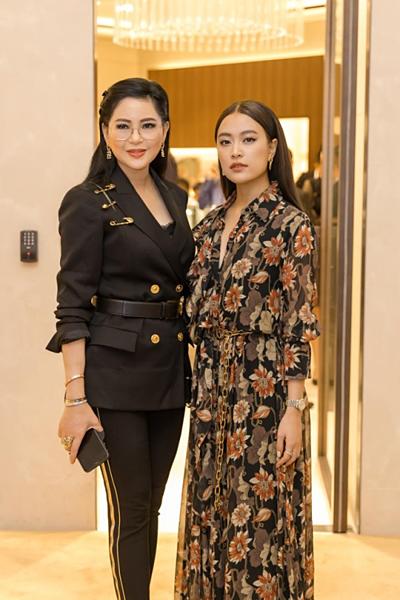Bà Lê Hồng Thủy Tiên – Tổng giám đốc IPPG và ca sĩ Hoàng Thùy Linh