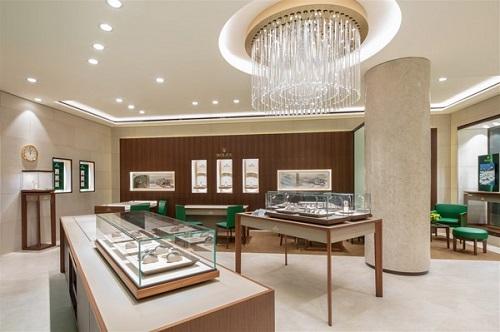 Không gian sang trọng bên trong cửa hàng Rolex Hà Nội.