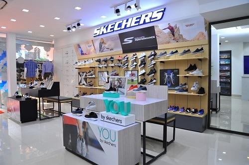 Không gian trưng bày sản phẩm Skechers tại Việt Tiến.