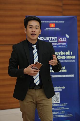Ông Lê Khôi Nguyên, Giám đốc chiến lược sản phẩm ngành hàng di động Samsung Vina tại sự kiện.
