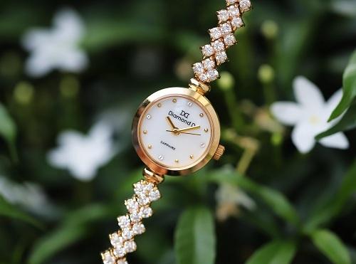 Đồng hồ Epos Swiss.