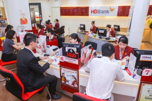HDBank triển khai chương trình Đồng hành cùng khách hàng - Vững vàng đến thành công từ nay đến 31/12.
