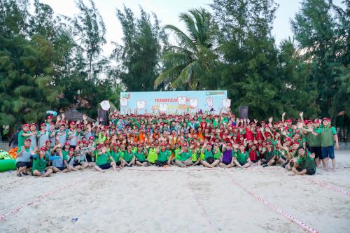 Công ty cổ phần Uniland vừa tổ chức chương trình teambuilding thường niên với chủ đề Kết sức mạnh - Nối thành côngtại Phan Thiết, Bình Thuận. Hơn 300 nhân viên đã có những trải nghiệm bổ ích, cùng trải qua nhữngkhoảnh khắcđáng nhớ vớinhiều hoạt động tập thể.