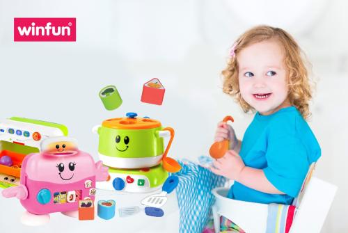Đồ chơi đóng vai trò quan trọng trong sự phát triển của trẻ.