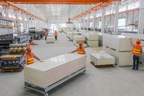 Công xưởng sản xuất panel cách nhiệt công nghệ châu Âu tại TP HCM.