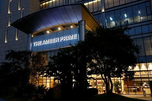 Bên ngoài khách sạn Amber Prime tại Thâm Quyến. Ảnh: Reuters