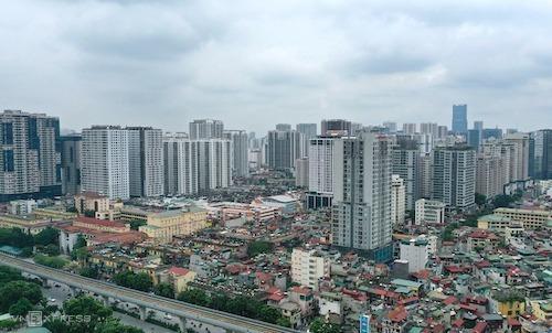 Loạt chung cư cao tầng mọc lên dọc trục đường Nguyễn Trãi (Thanh Xuân). Ảnh: Ngọc Thành