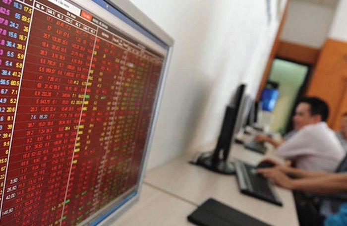 Thị trường cơ sở giao dịch chững lại là một phần nguyên nhân giảm sức hấp dẫn của chứng quyền.