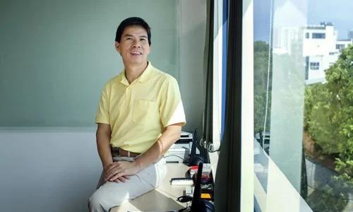 Ông Nguyễn Đức Tài tại văn phòng làm việc. Ảnh:Bloomberg