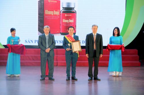 Khang Dược vinh dự đón nhận Huy chương vàng vì sức khỏe cộng đồng 2019 (linh15h)