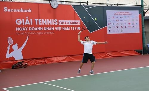 Giải tennis do Sacombank tổ chức ngày 12/10 có tổng giá trị giải thưởng 350 triệu đồng.