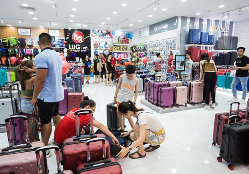 Cửa hàng của LUG trong TTTM Vạn Hạnh Mall.