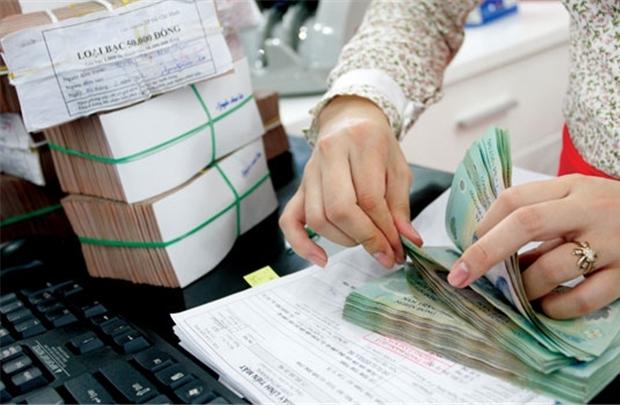 Lãi suất liên ngân hàng liên tục giảm. Ảnh: PV.