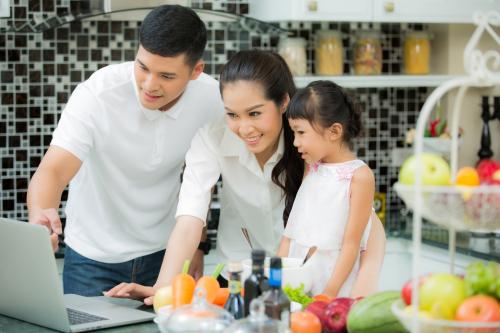 Trang thông tin hợp đồng bảo hiểm trực tuyến của Chubb Life Việt Nam giúp khách hàng có thể kiểm tra thông tin về hợp đồng bảo hiểm dễ dàng.