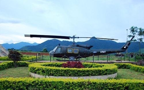 Trực thăng tại sân bay Tà Cơn, Quảng Trị. Ảnh: Lendang.vn.