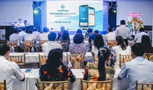 Lễ ra mắt ứng dụng Saigonbank Smart Banking hôm 16/10.