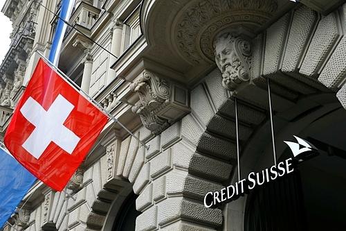Logo Credit Suisse tại trụ sở ở Zurich. Ảnh: Reuters
