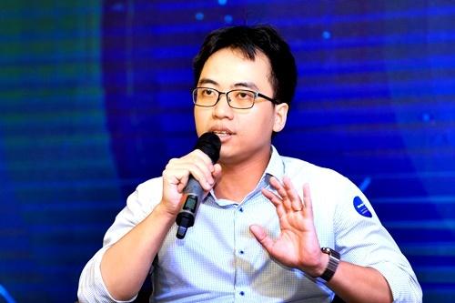 Ông Bùi Hải Nam – CEO Datamart trao đổi tại buổi hội thảo.