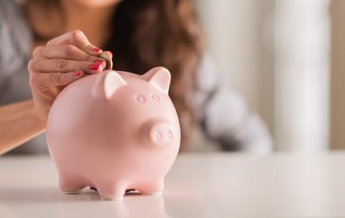 Người trẻ cần có kế hoạch tiết kiệm từ sớm cho những mục tiêu tài sản lớn.