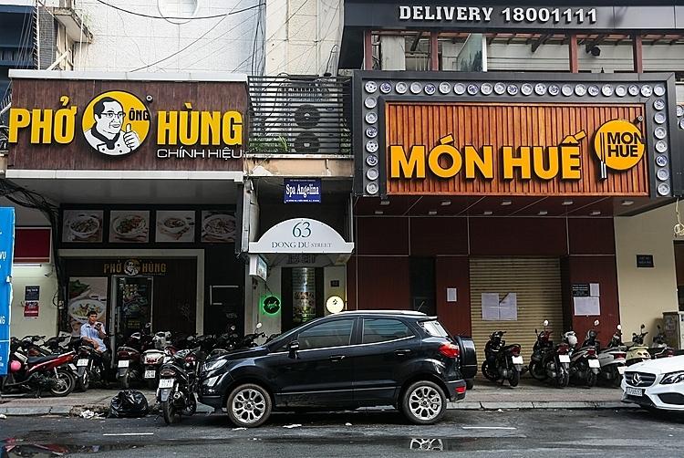 Chuỗi nhà hàng Mòn Huế - Phở Ông Hùng góc đường Đồng Khởi - Nguyễn Du đóng cửa. Ảnh: Quỳnh Trần