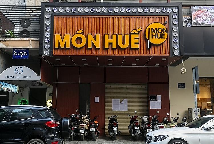 Nhà hàng Món Huế góc đường Đồng Khởi - Nguyễn Du (quận 1, TP HCM) đóng cửa mấy ngày nay. Ảnh: Thành Nguyễn