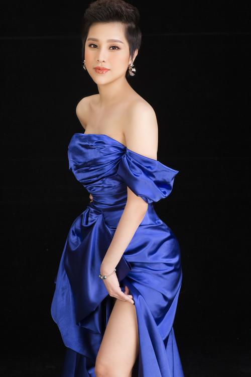 Cô từng là diễn viên đảm nhận vai diễn trong các dự án phim truyền hình và hoạt động mạnh mẽ trong lĩnh vực âm nhạc.