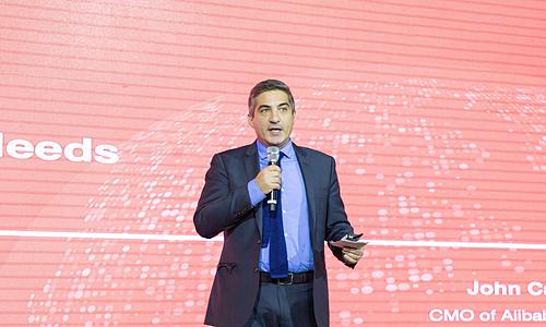 Ông John Caplan - Giám đốc bộ phận B2B khu vực Bắc Mỹ của Alibaba tại sự kiện. Ảnh: Go Export